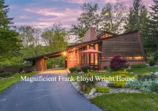 Magnifient Small Frank Lloyd Wright House For sale