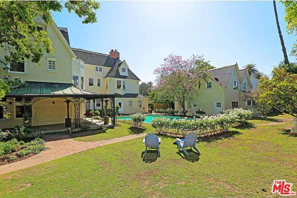 Main House and Carriage House of the Cheaper By The Dozen house for sale