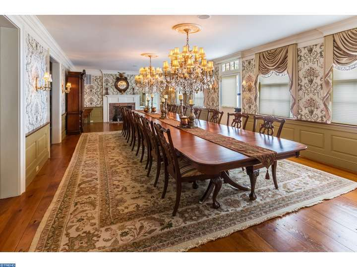 Majestic Dining Room has two 3-layer chandeliers - this house is called Tabula Rasa