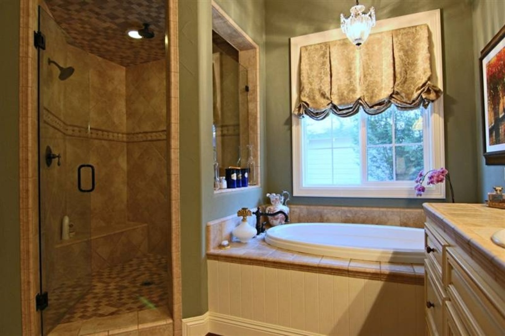 Master Bath - Sacramento, CA home recently sold. Beautiful grounds, patio, pool. Inside is stunning.