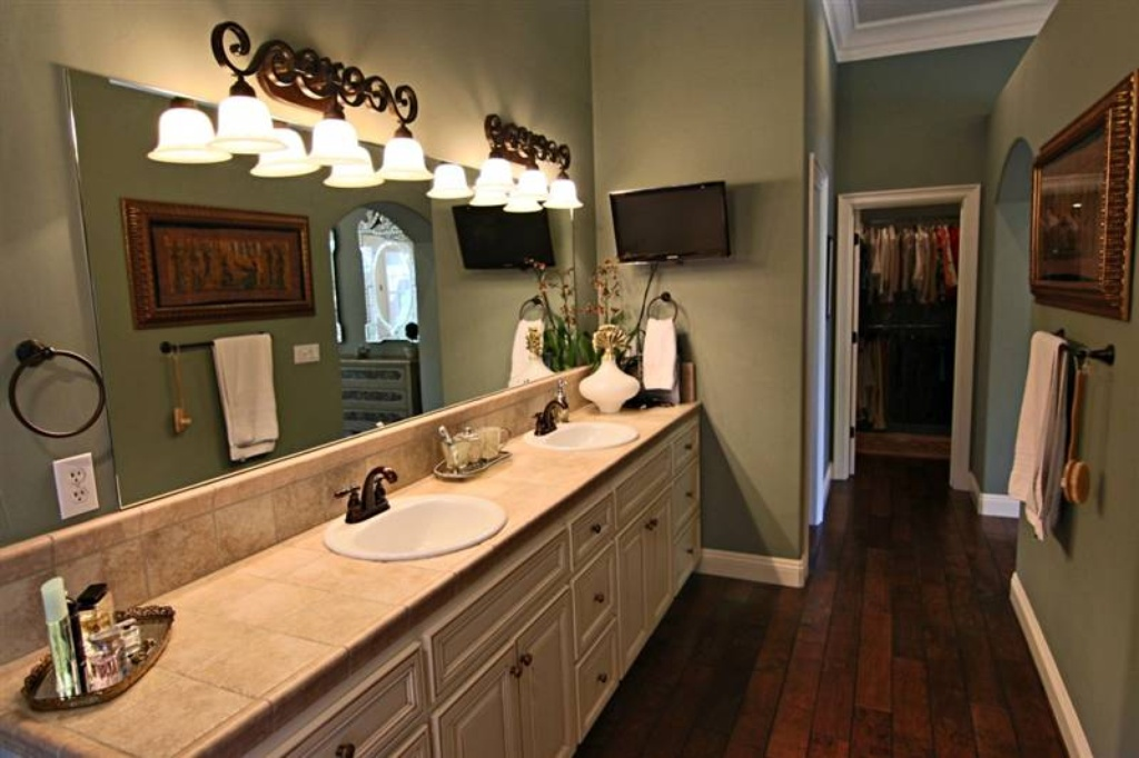 Master Bath and Closet - Sacramento, CA home recently sold. Beautiful grounds, patio, pool. Inside is stunning.