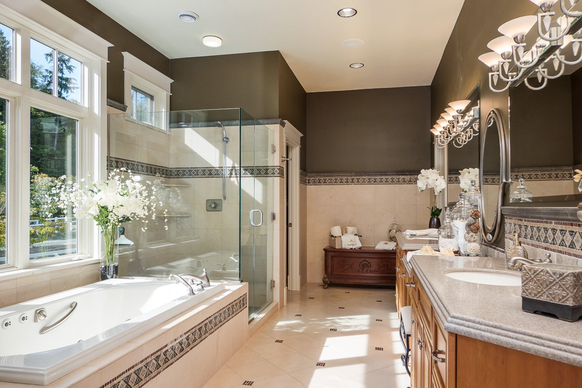 Master bath luxury horse ranch for sale