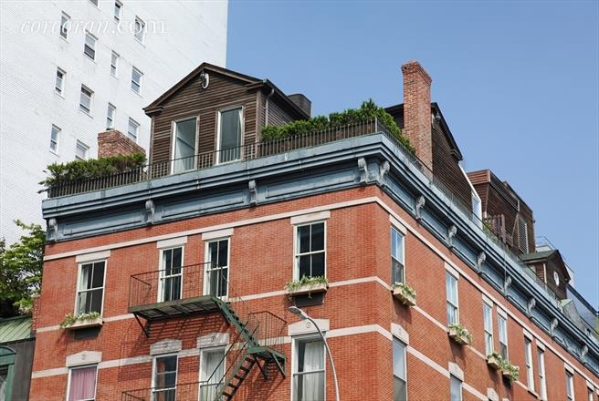 NYC Rooftop Cottage