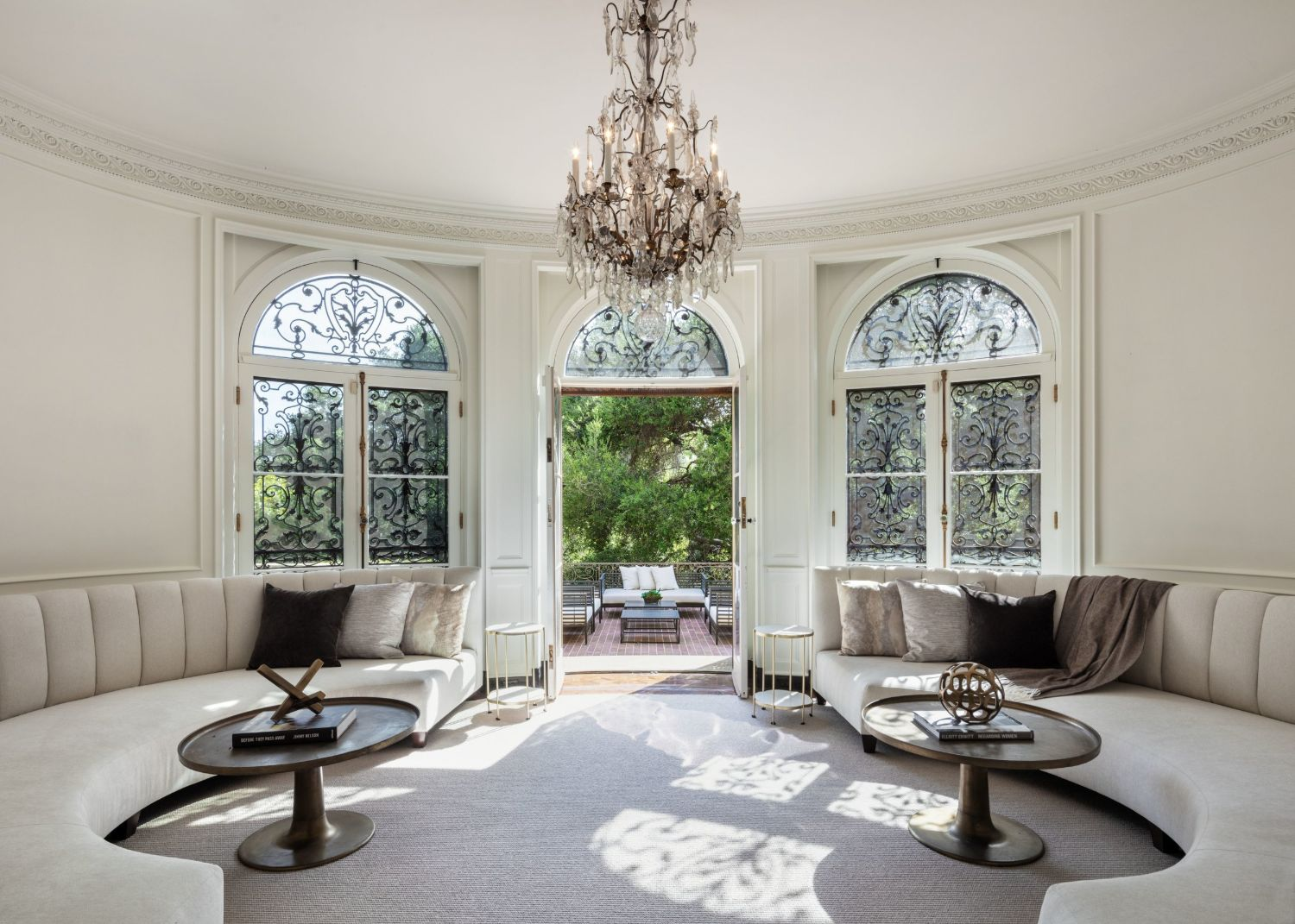 Inside the Hollywood iconic home 141 s Carolwood Dr LA sold