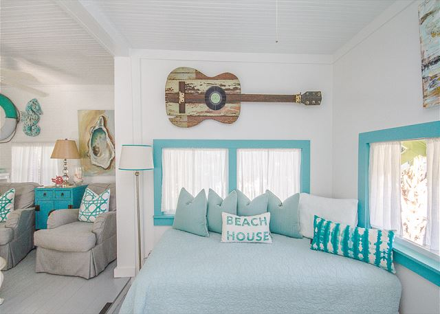 Old Love Cottage beach house extra sleeping area.