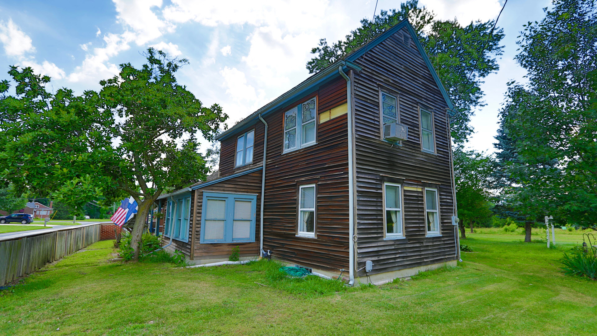 This is the Oldest Log Cabin in America still standing in its original place. She is for sale in New Jersey for $2.9 million