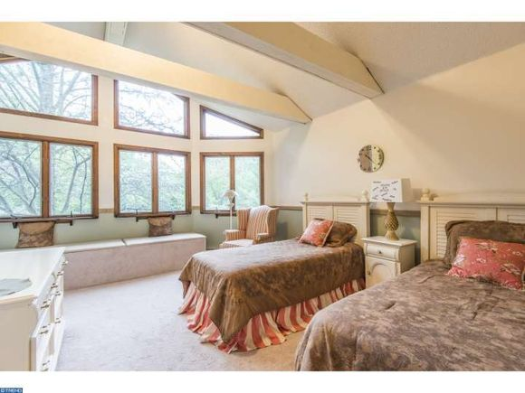 One of the five Bedrooms West Chester PA home on the market - estately