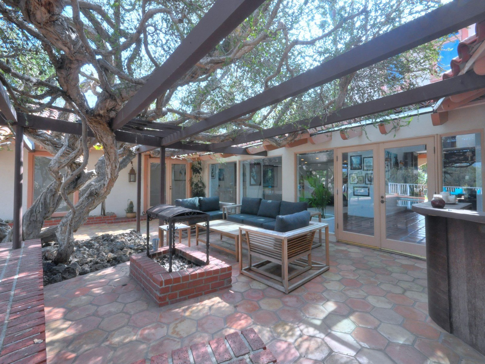 Patio - Entertaining area Sean Penn house for sale
