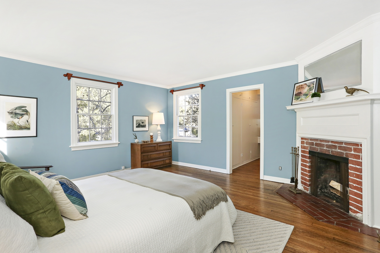 Pennsylvania Dutch Cottage Gerard Colford for sale. 2310 E Chevy Chase Dr. Glendale CA - Master Bedroom with fireplace