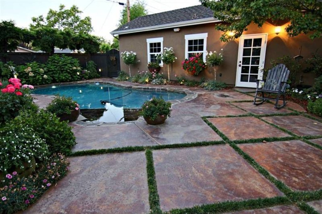Pool - Sacramento, CA home recently sold. Beautiful grounds, patio, pool. Inside is stunning.