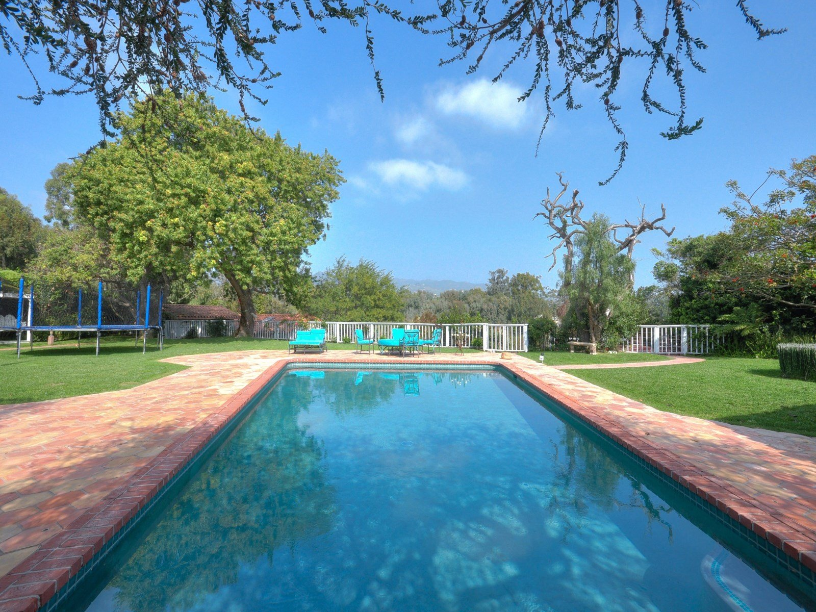 Pool - Spanish ranch house in Malibu CA - Sean Penn house