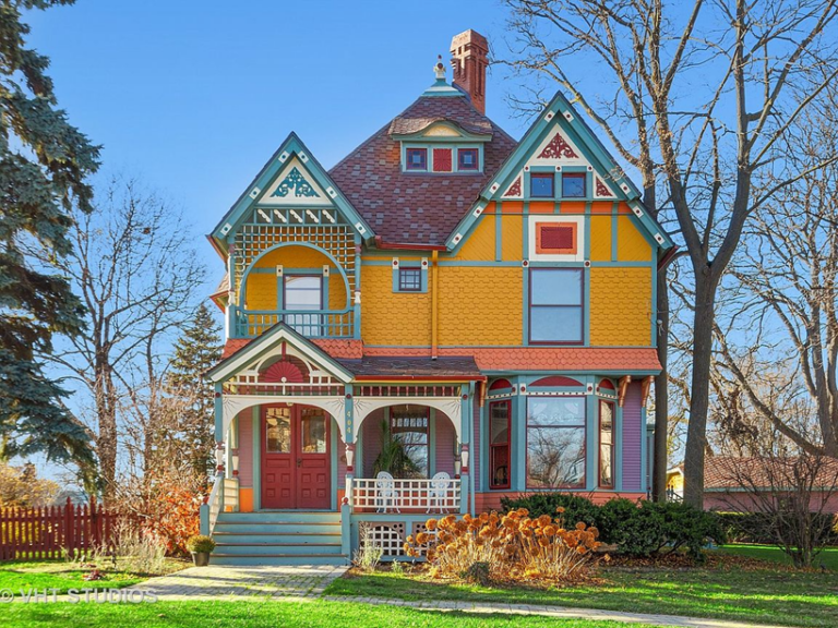 Colorful Queen Anne Painted Lady in Illinois