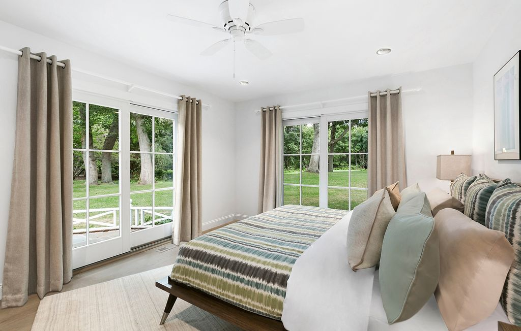 Rachel Ray Is Selling Her Beautiful Southhampton NY Home - pool house.bedroom