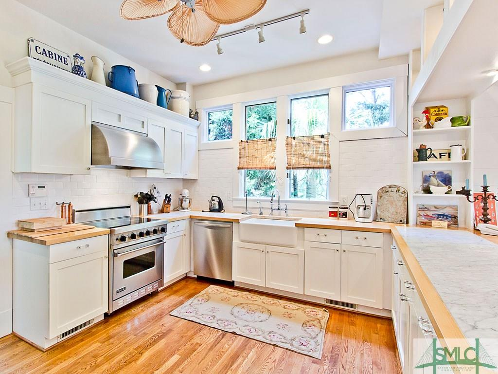 Sandra Bullock's Tybee Island Beach House for sale - Kitchen