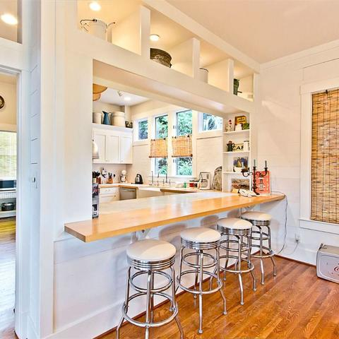 Sandra Bullock's Tybee Island Beach House for sale - Beach Style Kitchen