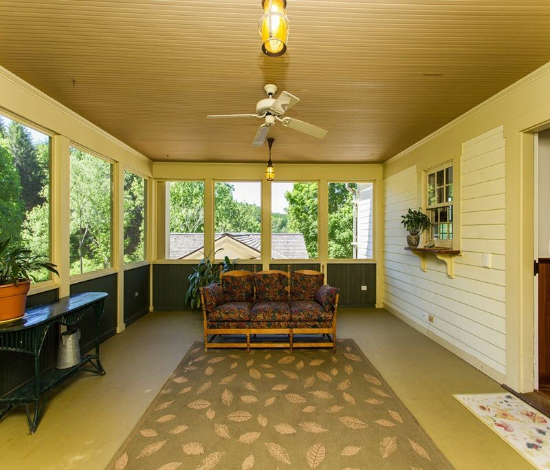 Screened in porch Daley Farmhouse for sale in NY