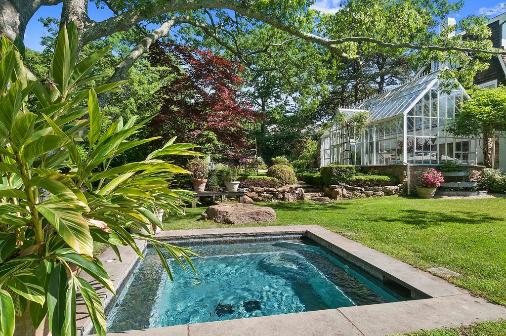 See Christie Brinkley's Hamptons Tower Hill Home