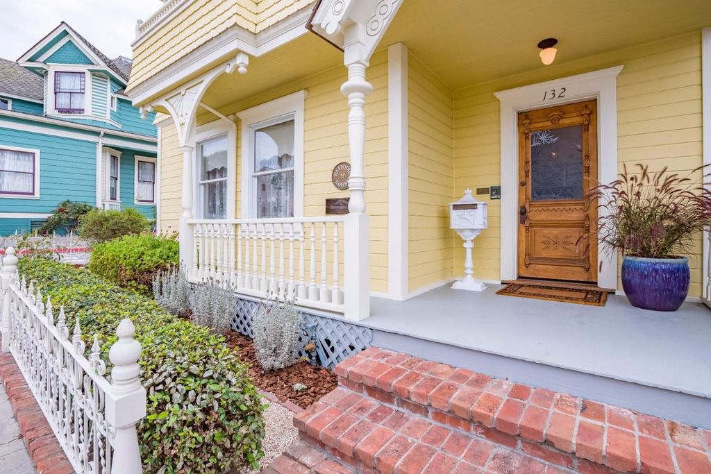 Victorian Yellow House named The Daffodil in Pacific Grove CA for sale