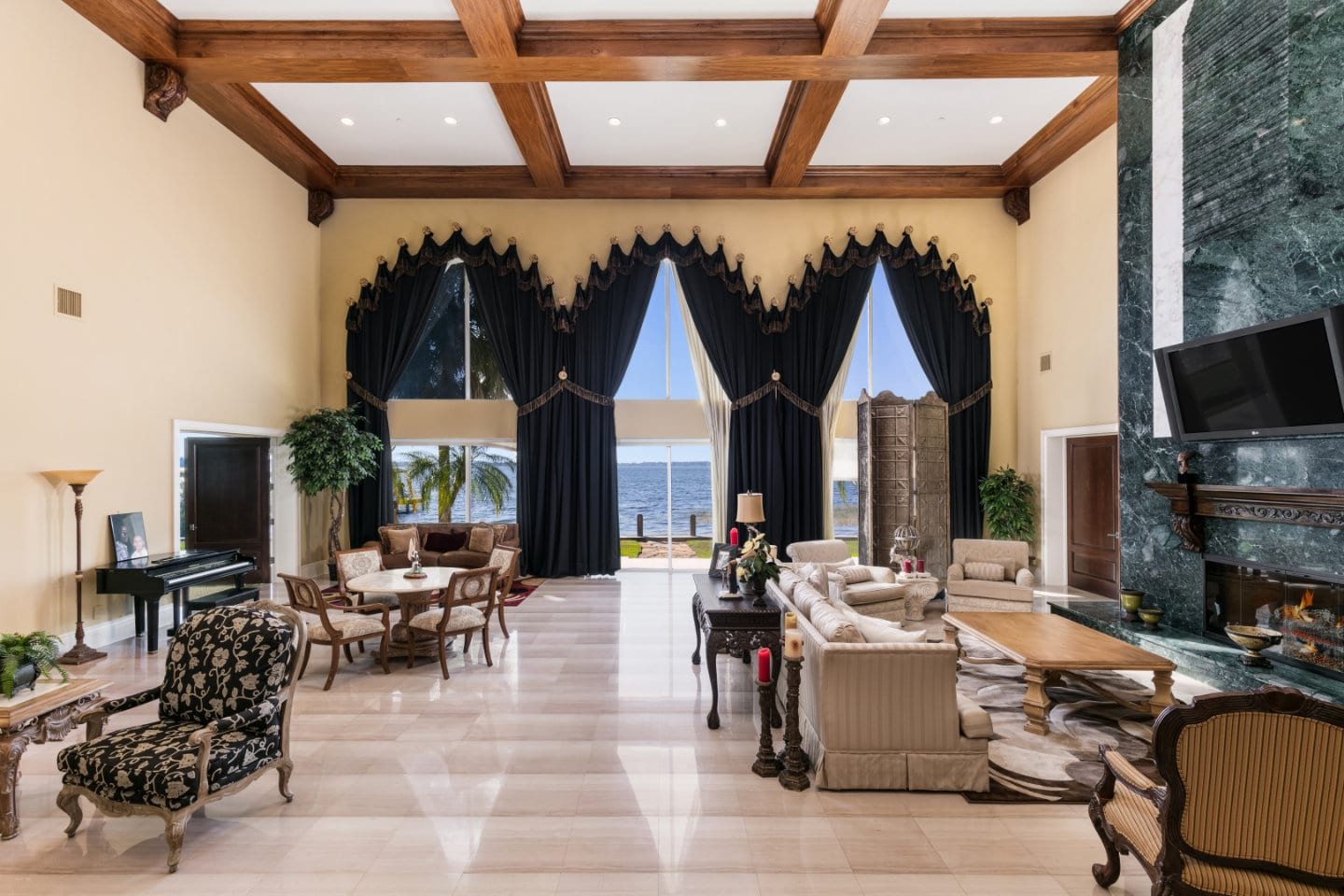 Shaquille O'Neal Florida Mansion- Living Area