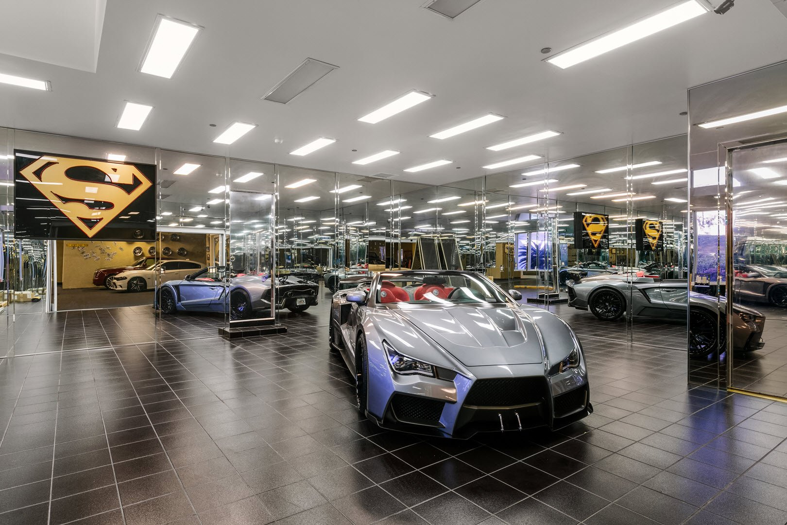 Shaquille O'Neal Florida Mansion -Showroom Car Garage