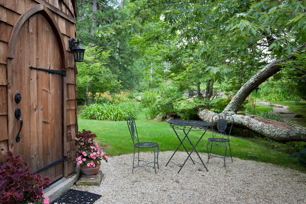 Silo Studio Cottage to rent in Tyringham MA on Airbnb