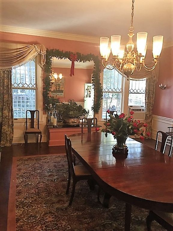 Skeeter's House from The Help Movie 613 River Rd Greenwod, MS for sale - dining room