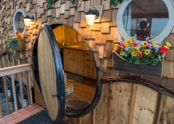 Stay In The Cute WeeCasa Hobbit House