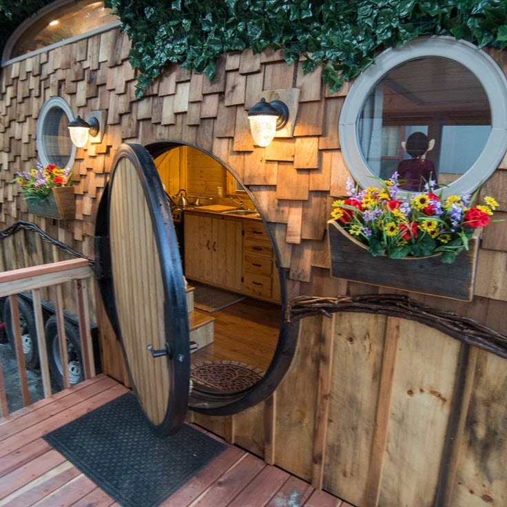 Discover The Cute WeeCasa Hobbit House In Colorado