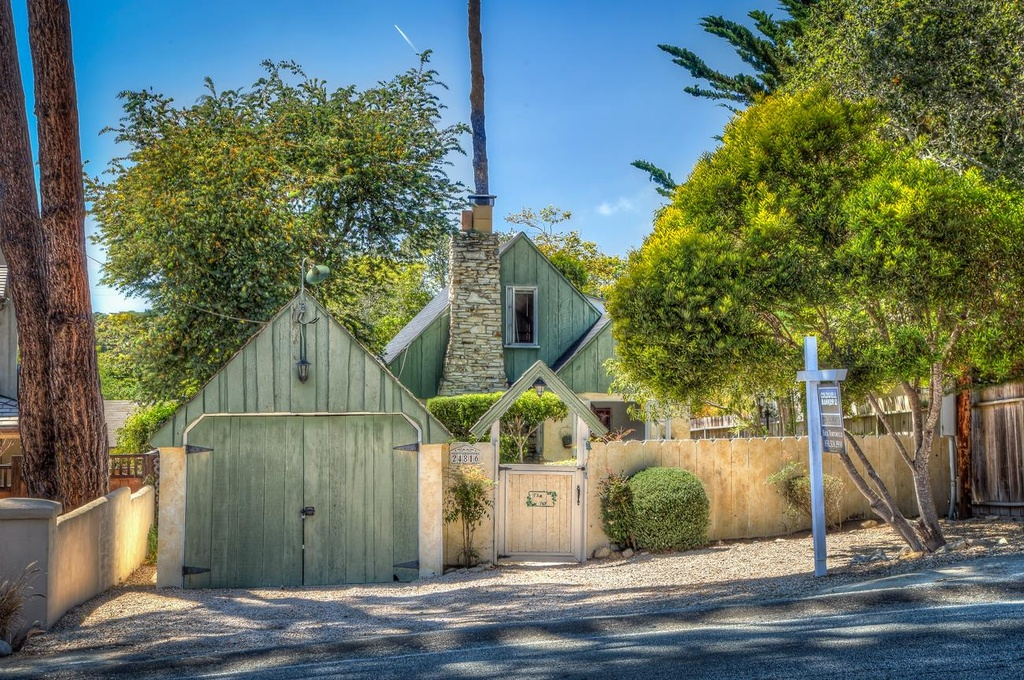 The Ivy - A Comstock Fairytale Style Cottage in Carmel California for sale
