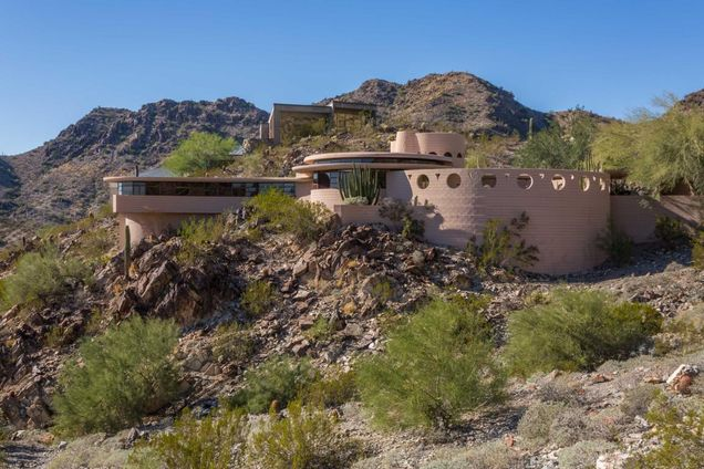 The Last home designed by Frank Lloyd Wright is in Phoenix Arizona and on the market