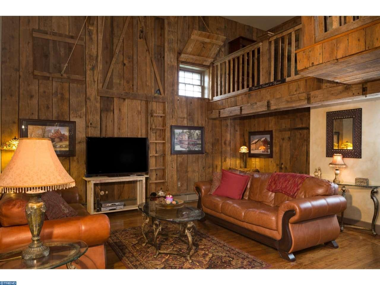 The Leap Year Barn 115 Arrons Ave Doylestown PA for sale - living room