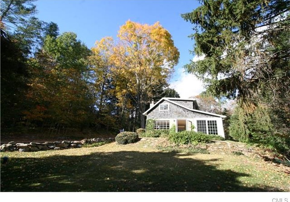Cottage In Connecticut for sale is called Pumpkin Cottage