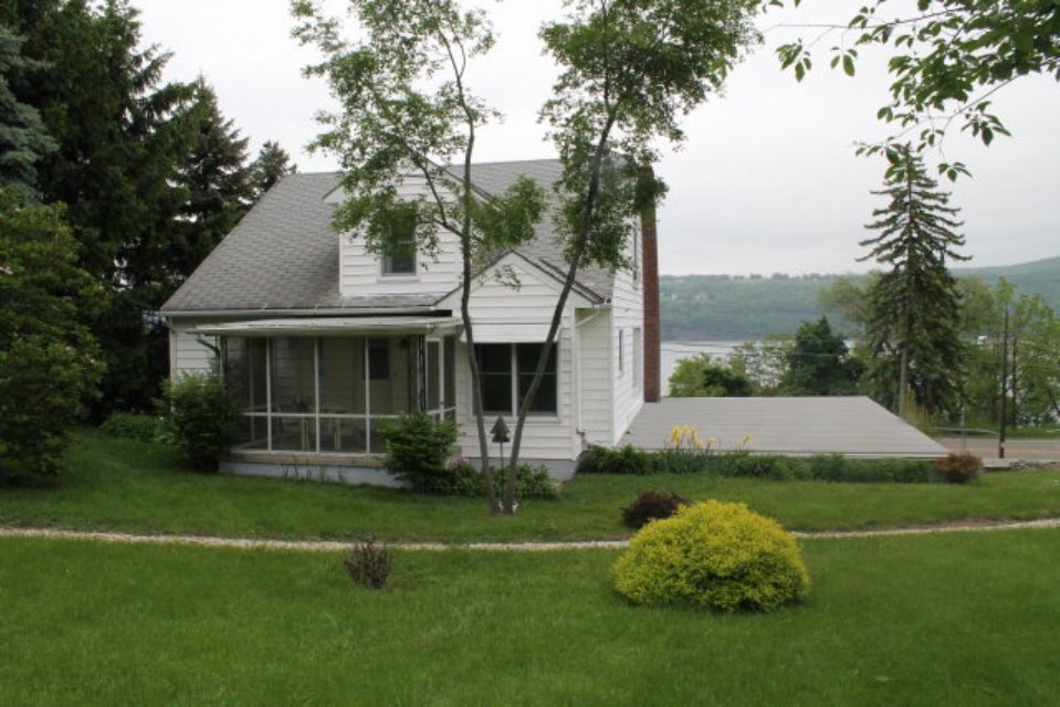 The most cozy cute cottage for sale on Seneca Lake - Before