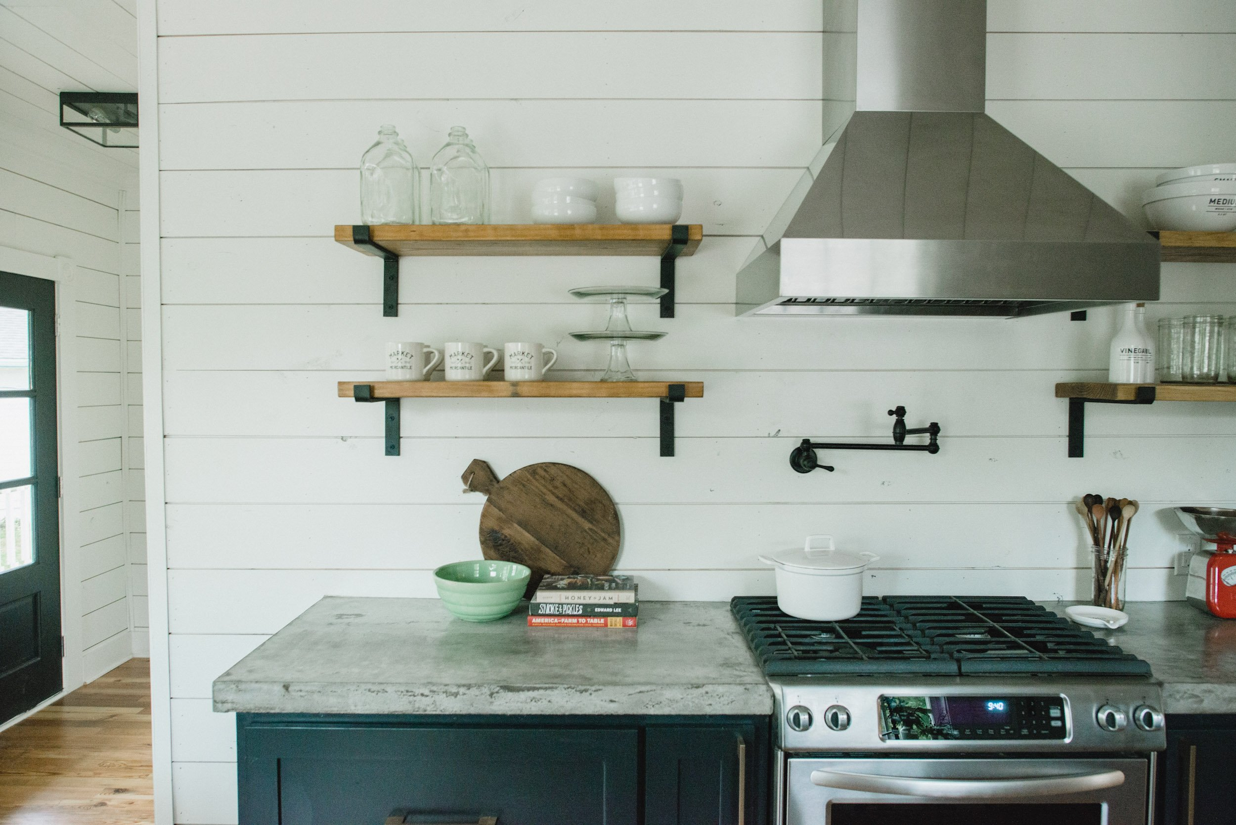 The wonderful kitchen inside Fixer Upper Magnolia House