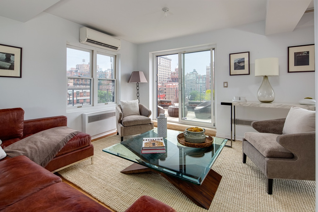 This is inside Julia Roberts Greenwich Village apartment on the market