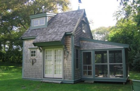 10 Tiny Houses. This one is by BF Architects with screend in porch is less than 400 square feet- housekaboodle.com