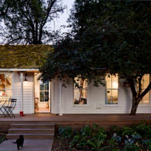 Tiny White Farmhouse via Houzz