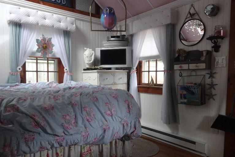 Prime A Tiny Cape Cod Cottage In Massachusetts Download Free Architecture Designs Momecebritishbridgeorg
