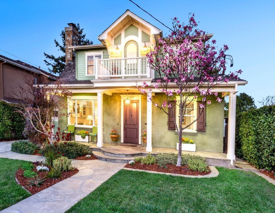 Traditional Home: Beautiful Craftsman Interior with Mountain Views in Los Gatos CA for sale