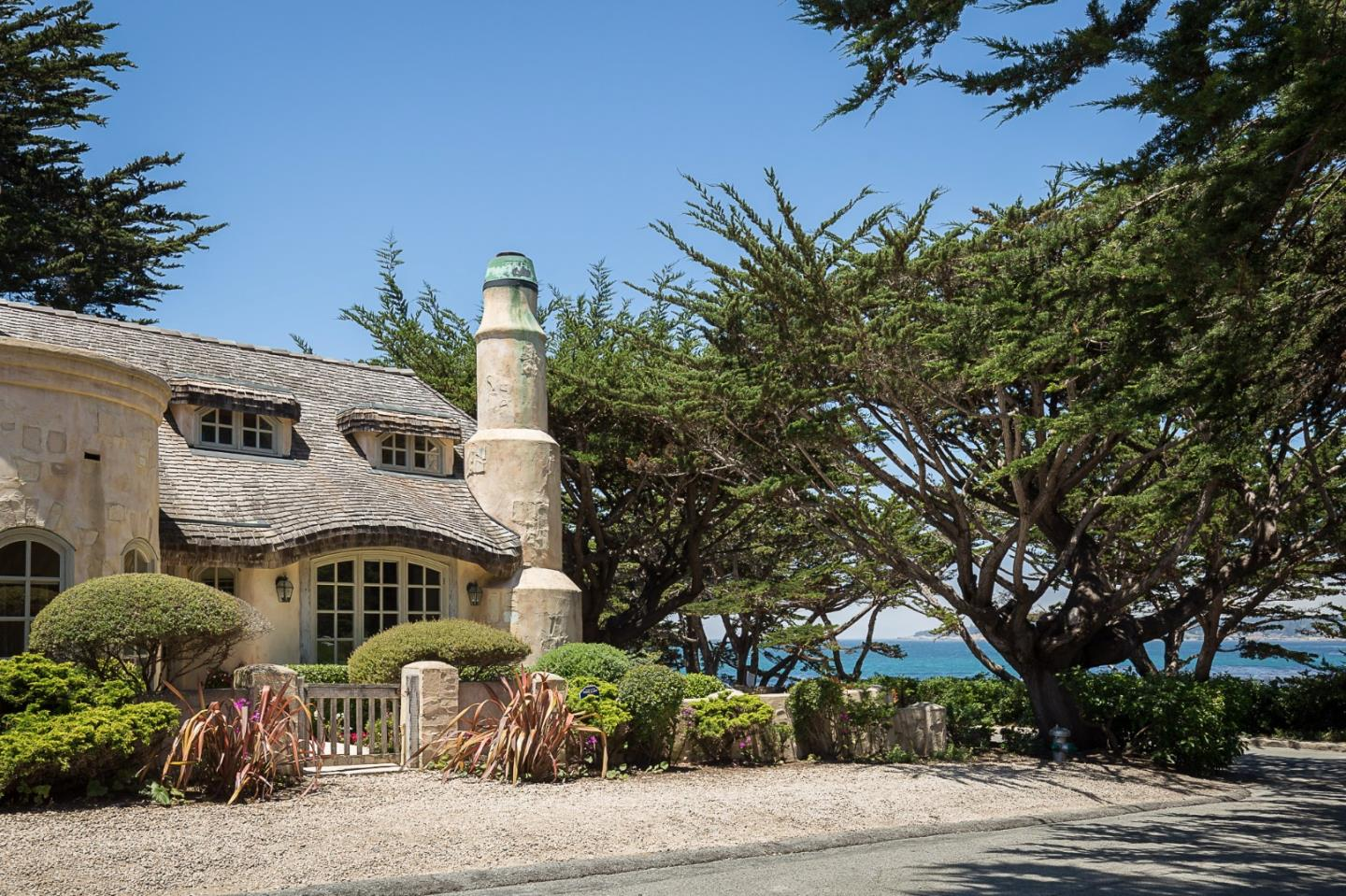Storybook cottage for sale 26125 Scenic Rd Carmel, Ca