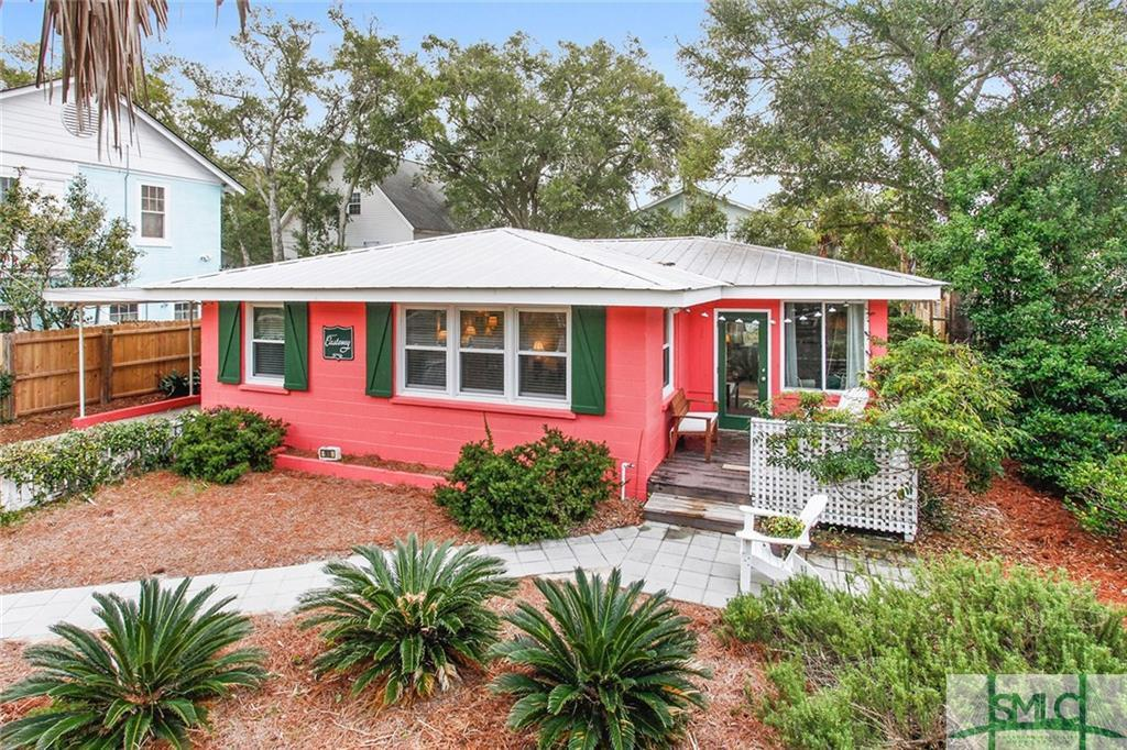 Mermaid Cottage - Castaway cottage on Tybee Island for sale