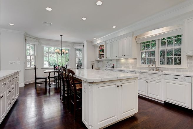 Vince Vaughn Colonial Mansion has a beautiful white kitchen