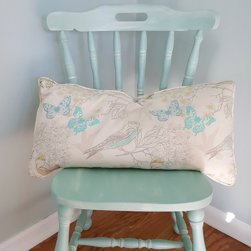 Vintage Farmhouse Style Chair Gets a Makeover with Dixie Belle Paint Fluff and Sea Glass - Housekaboodle