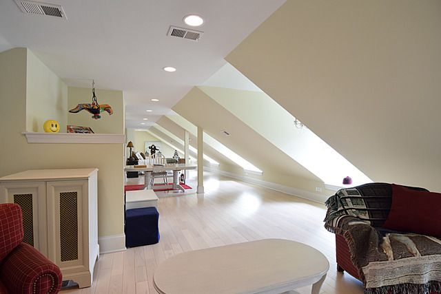 Finished attic Warrenville IL estate for sale