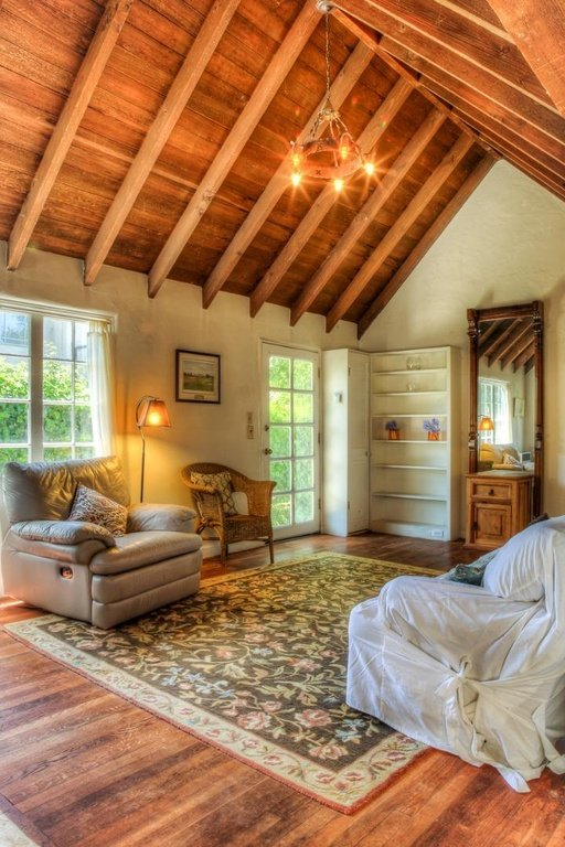 Comstock Fairytale Cottage In Carmel