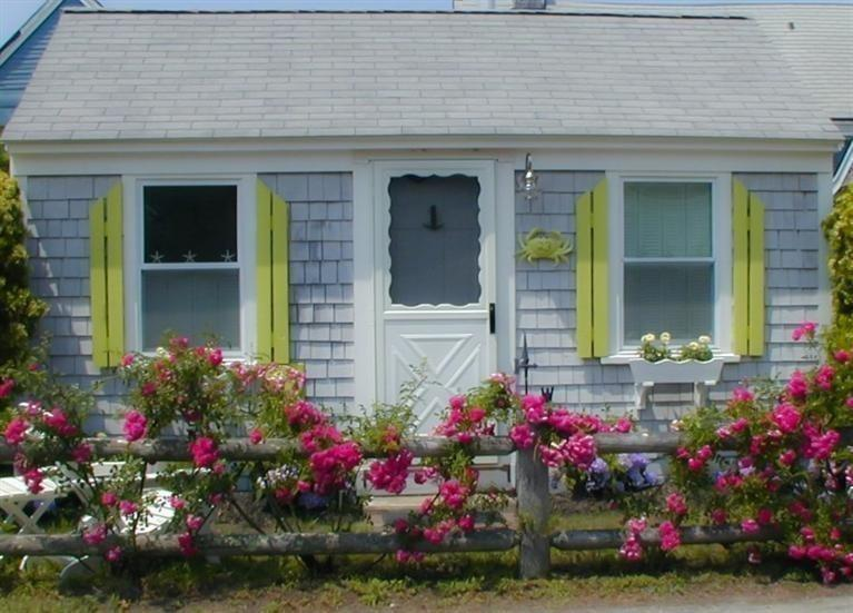 A Happy, Bright Tiny Cottage in Massachusetts and More
